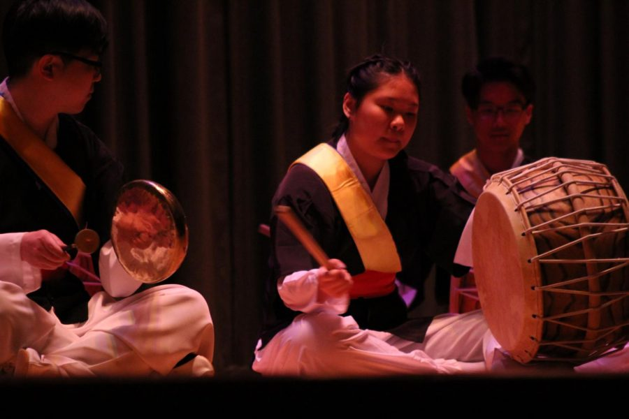 Korean+Drums+was+the+first+group+to+perform+at+the+International+Festival.